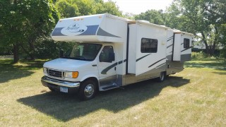 2005 Ford 450 Forest Forester Class C Motorhome