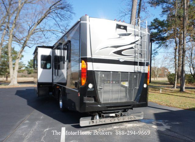 2008 Fleetwood Discovery 40x W 3 Slide Outs Reduced