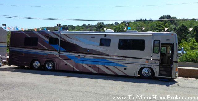 2000 Vogue 5000 By Featherlite Class A Motorhome