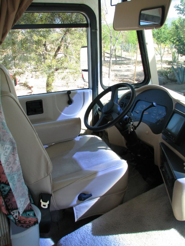 1999 Georgetown Motorhome by Forest River w/2002 Chevy ...