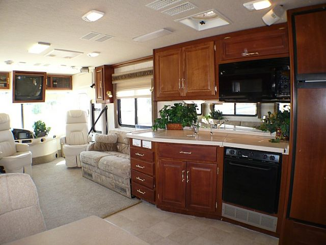 2002 Fleetwood Expedition 36t Class A Motorhome