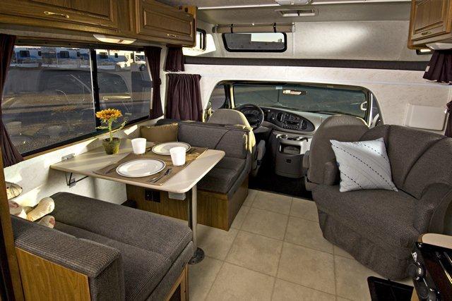 2006 Four Winds Majestic 23a Class C Motorhome