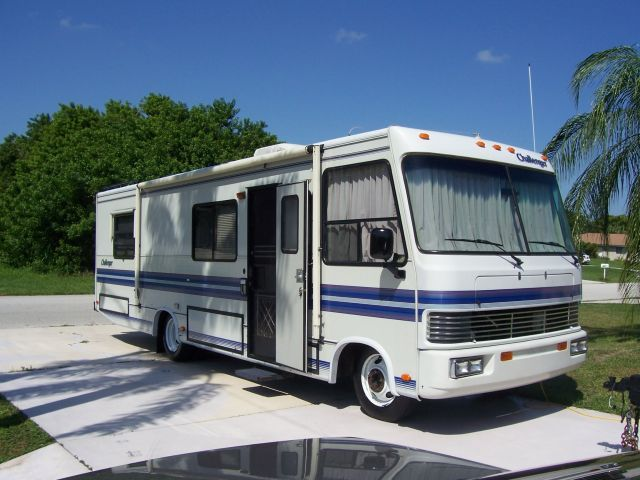 2nd owner unbeliveable cond garage kept class a motorhome for Class a rv with car garage