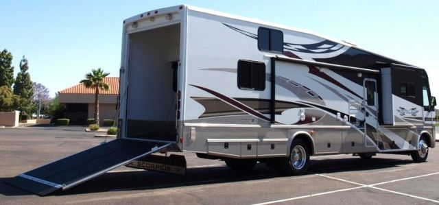 2009 damon outlaw scorpion 3808 12 39 garage class a motorhome for Class a rv with garage