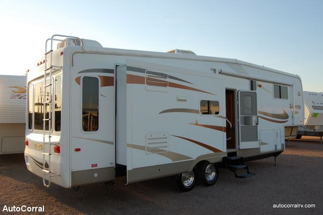 2007 Mckenzie Lakota Estate 32skt Fifth Wheel