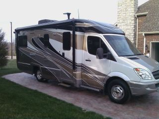 2012 mercedes motor home view profile class c motorhome for Mercedes benz view rv