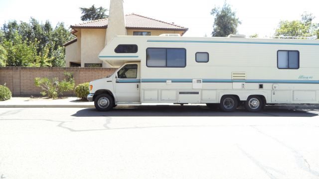 1992 Gulfstream Ultra- Low mileage- 30ft Class C Motorhome