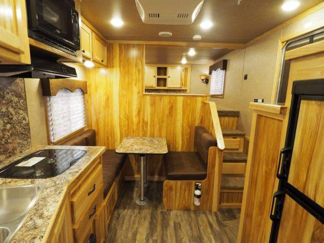 2019 Lakota livestock charger 81611 horse trailer