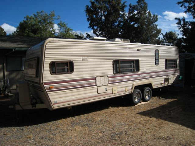 1987 Fleetwood Terry Manor 29r Travel Trailer In Oregon