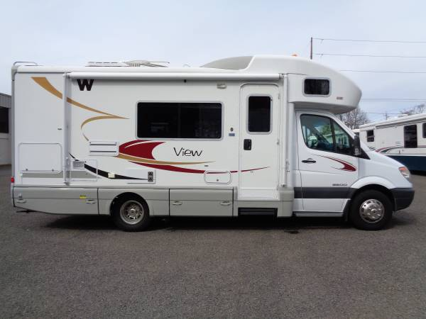 Awesome 2008 Winnebago View 24ft Class C RV With SlideOut Diesel 18MPG